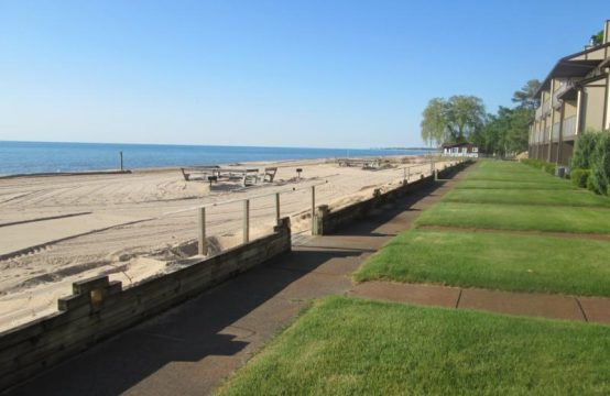 Surfside Heights Condo 1 bed 2 bath on Lake Huron